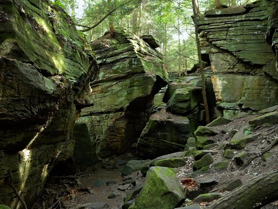 """Peninsula, OH: A rock """"grotto"""" just off the trail"""