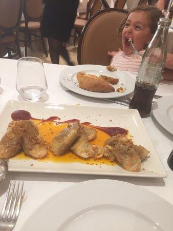 Los Palacios y Villafranca, Spain: Se come de lujo con muy buenos precios. Para mi de 11. Para diciembre voy a Sevilla y repito. Un