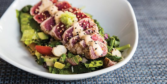 Jamaica Bay Inn: SEARED RARE 4 OZ. AHI TUNA SALAD