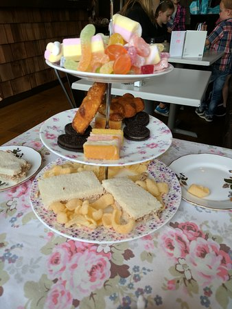 Darwen, UK: Children's afternoon tea