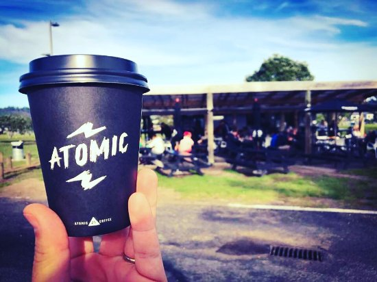 Whangamata, นิวซีแลนด์: Atomic coffee, almond / coconut / soy milk all available