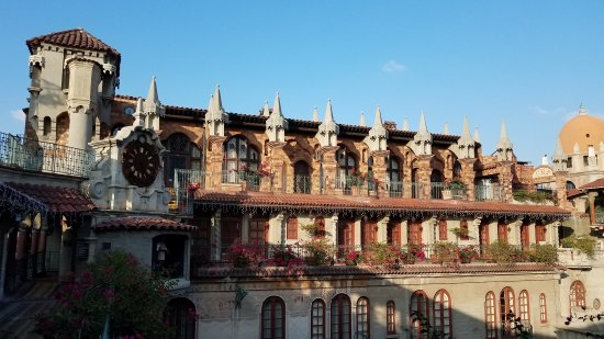 The Mission Inn Hotel and Spa: Enjoy yourself here at the Mission Inn