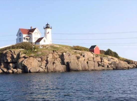 Finestkind Scenic Cruises: Nubble lighthouse from boat
