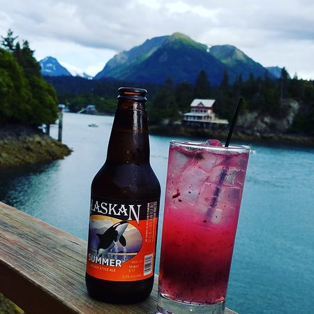 Halibut Cove, AK: AK Summer and the berry picker with some amazing dinner views