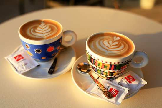 Murter, Croacia: Coffee
