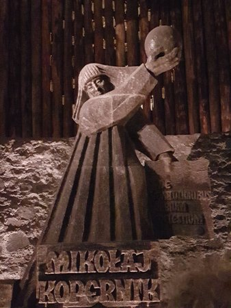 Auschwitz Salt Mine Tours: Statues of influential people