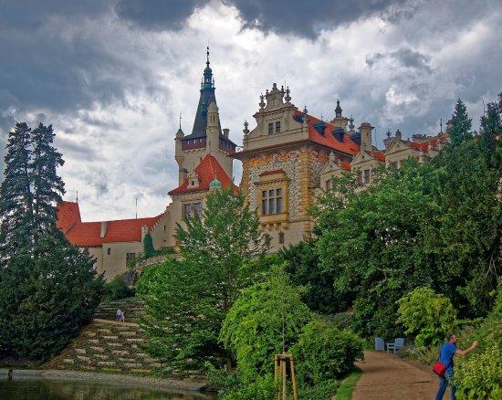 Průhonice, جمهورية التشيك: Заком перед дождем