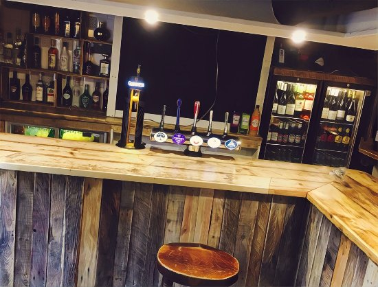 St. Neots, UK: Main bar