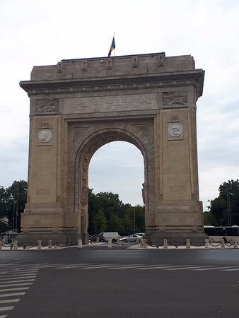 Triumph Arch : the Arch from Bucharest, 27 m height
