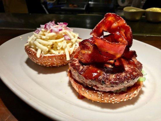 เบเทสดา, แมรี่แลนด์: Woodmont Grill - Hickory Burger