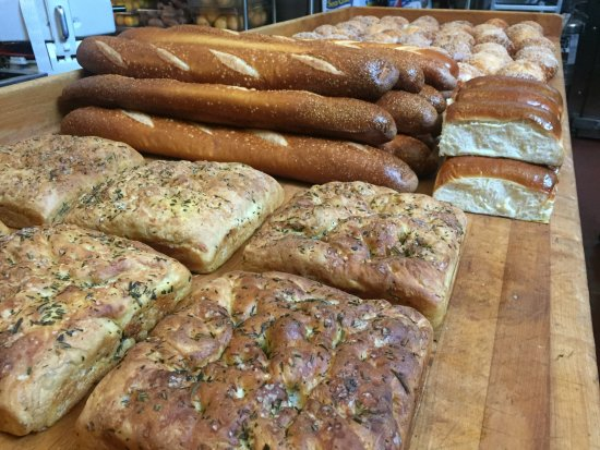 Bethesda, MD: Woodmont Grill - freshly baked bread
