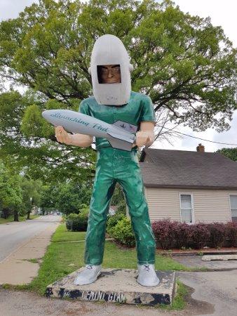 Wilmington, IL : gigante