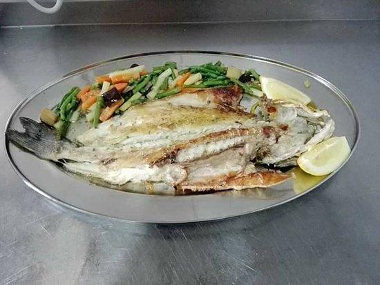 San Roque, España: Un buen pescado a la plancha