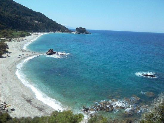 Karlovasi, Griechenland: Θέα της παραλίας από το ξωκλήσι του Αγίου Νικολάου.