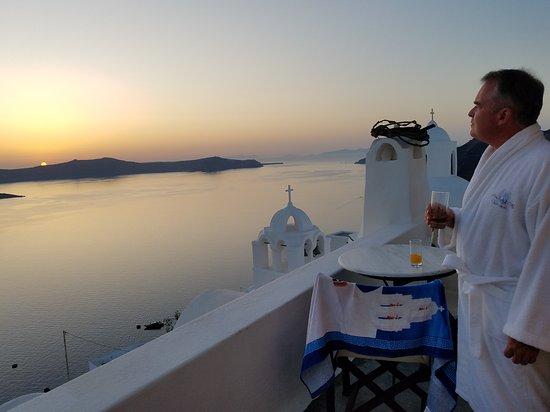 Aigialos Hotel: 20170918_191848_large.jpg
