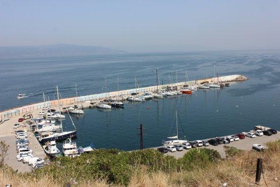 Mudanya, Turquía: tirilye girişteki marina
