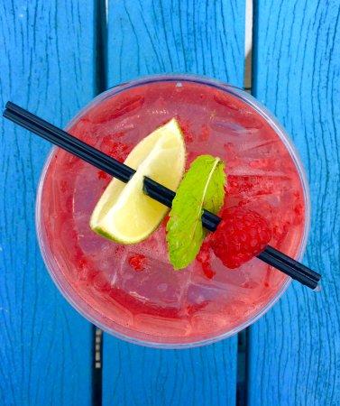 Porthtowan, UK: Flavoured Gin, is always in.. 🍓