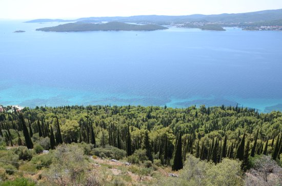 Orebic, Croatia: Widok na rezerwat z punktu widokowego obok klasztoru franciszkanó