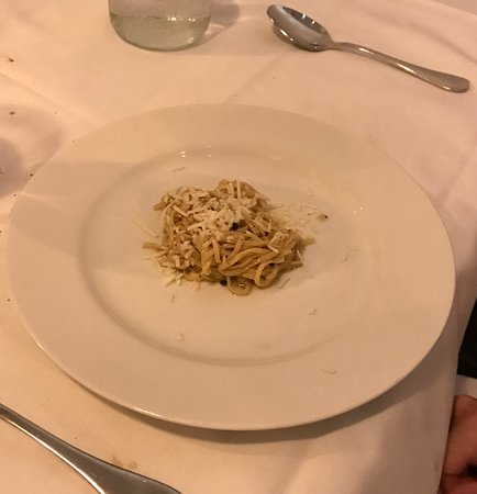 1652: Initially, I thought this was a joke. It wasn't; 2 tbs of pasta. $9.