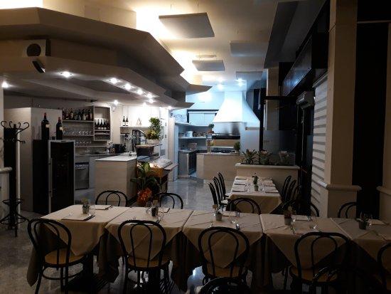 Cinisello Balsamo, Italië: Ristorante il Vulcano - Ingresso e Bar