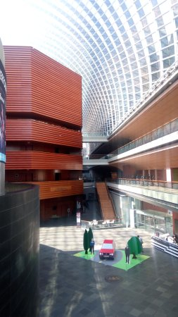 Kimmel Center for the Performing Arts: Beautiful building for performing arts