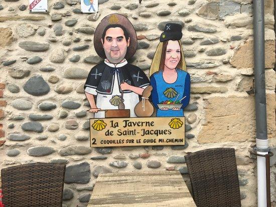 La Taverne de Saint Jacques: TreS agreable. Moment.   Calme.   Convivial  et menus très correct. Qualité. Tarif.  Au top.