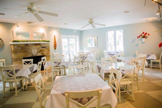 Hermann, MO: Cottage-breakfast area/event venue