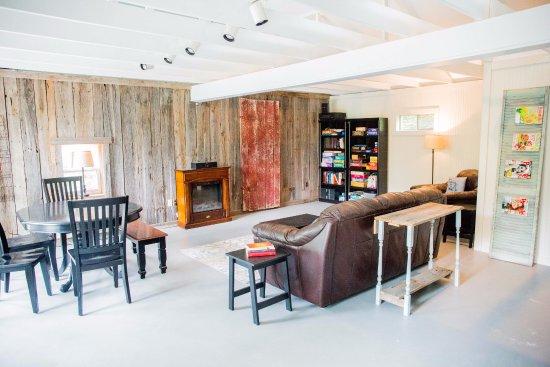 Hermann, MO: The Studio-commons area