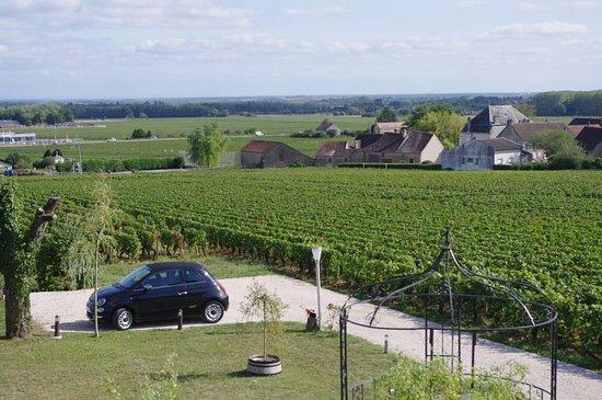 Aloxe-Corton, Prancis: View from balcony