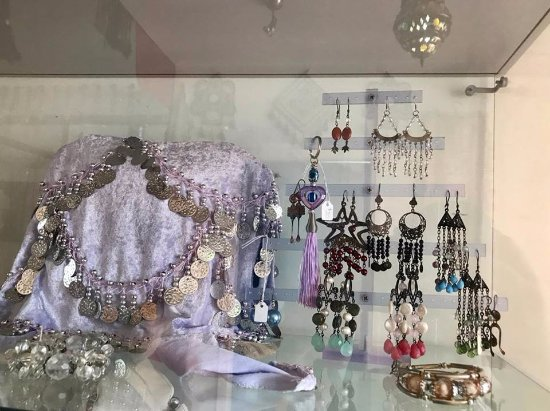 Carterton, New Zealand: Jewellery Cabinet