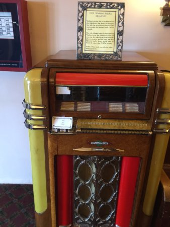 Lobby, Jerome Grand Hotel, JukeBox 78rpm and not working