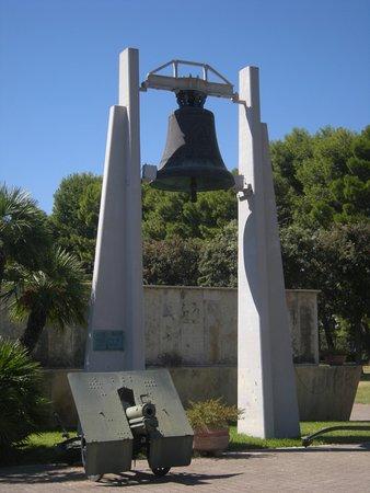 Sacrario Militare dei Caduti d'Oltremare: la campana