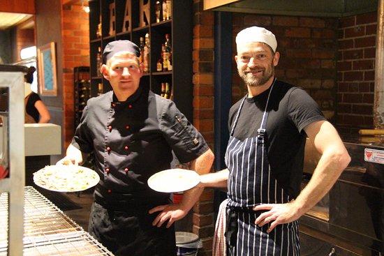 Corowa, Australia: Our amazing head pizza maker Borgs and one of our chefs Glenn.
