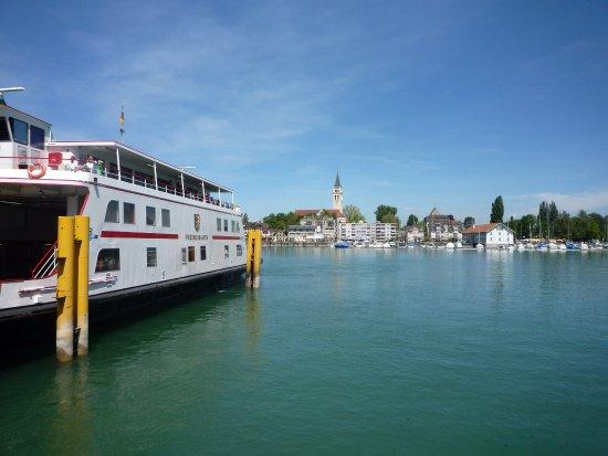 Romanshorn, سويسرا: ferry by the lake