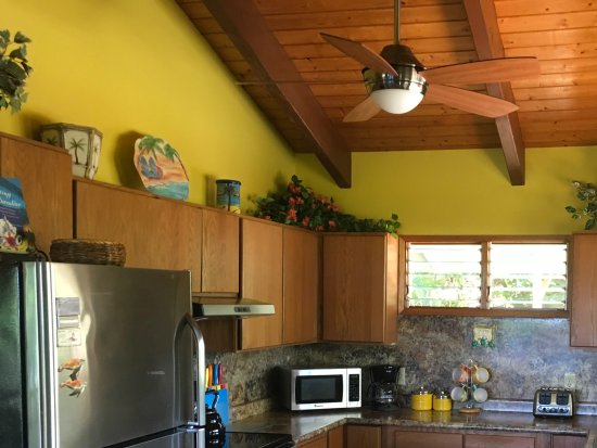 Dreams Come True on Maui Bed and Breakfast: Cottage Kitchen