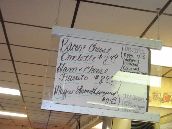 Escanaba, MI: breakfast specials
