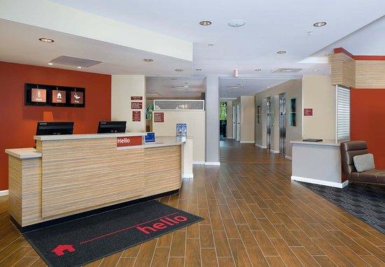Estero, FL: Front Desk & Lobby