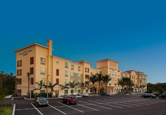 Estero, FL: Exterior