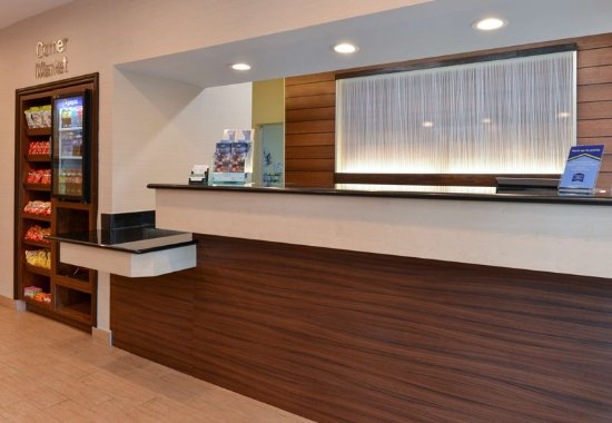 Orange Park, FL: Front Desk