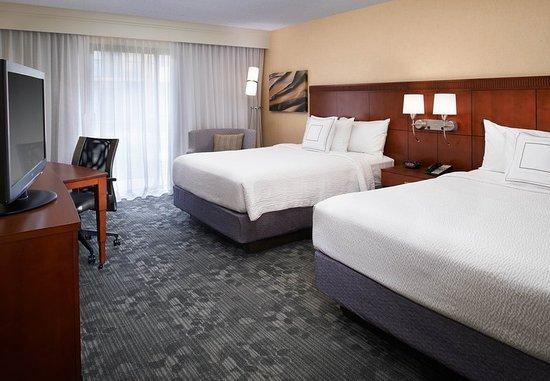 Warren, MI: Queen/Queen Guest Room