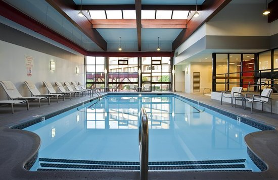 Westborough, MA: Indoor Heated Pool