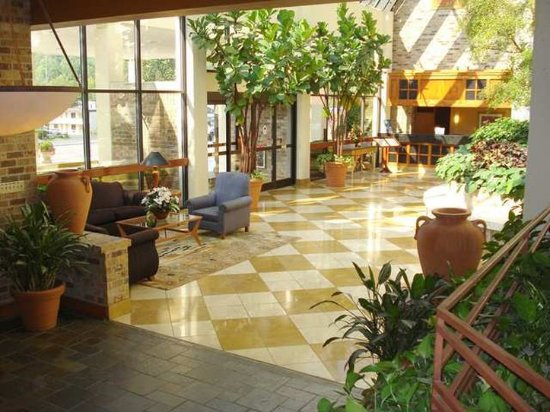 Oak Ridge, TN: Lobby