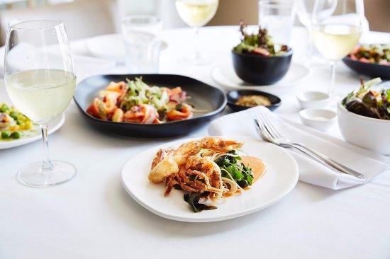 Elwood, ออสเตรเลีย: Shared dining