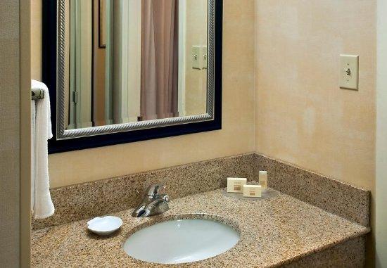 Red Bank, Νιού Τζέρσεϊ: Guest Bathroom Vanity