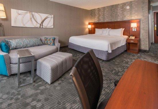Fairfax, VA: King Guest Room