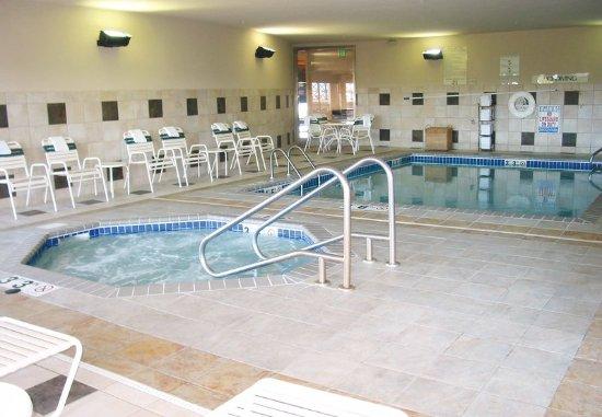 Englewood, CO: Indoor Pool & Whirlpool