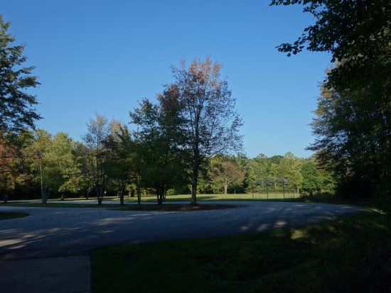 Chardon, OH: Park area suitable for playing ball