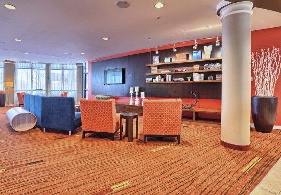 Mechanicsburg, PA: Lobby - Seating Area