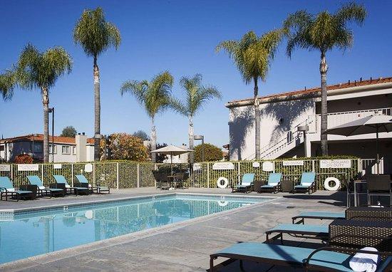La Mirada, Kaliforniya: Outdoor Pool & Spa