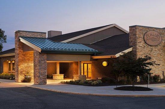 Collinsville, IL: Porter's Exterior
